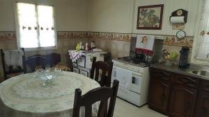 Casa Gramado II, Хостелы  Грамаду - big - 6