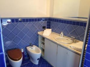 Spacious and bright apartment, ideal for 7 people near SMN station, Apartmány  Florencia - big - 5
