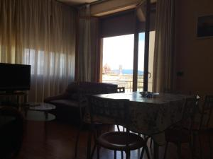 Spacious and bright apartment, ideal for 7 people near SMN station, Apartmány  Florencia - big - 12