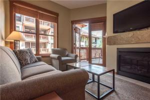 Convenient 2 Bedroom - C1205 - Copper Mountain