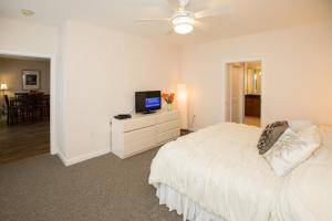 A301 Casuarina Breeze Condo, Apartmány  Virginia Beach - big - 12
