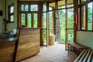 Ichumbi Gorilla Lodge, Лоджи  Kisoro - big - 17