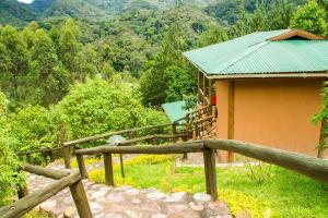 Ichumbi Gorilla Lodge, Лоджи  Kisoro - big - 16