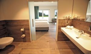 Hotel Weinhaus Möhle, Hotely  Bad Oeynhausen - big - 5