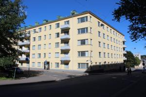 Stylish one-bedroom apartment for two in downtown Lahti. (ID 8520)