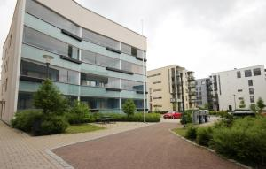 One-bedroom apartment with glazed balcony in Suurpelto, Espoo (ID 8574)
