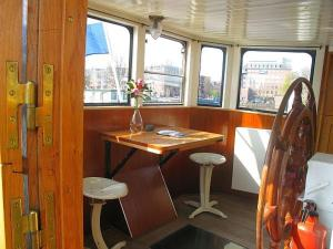 Houseboat Ms Luctor, Boote  Amsterdam - big - 7
