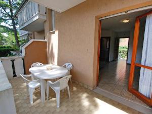 Locazione turistica Villa del Silenzio.2, Dovolenkové domy  Lignano Sabbiadoro - big - 17