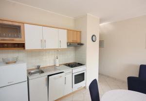 Apartment Vinisce 5229a, Appartamenti  Vinišće - big - 9