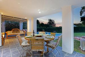 Three-Bedroom Holiday Home - Boulders Cottage