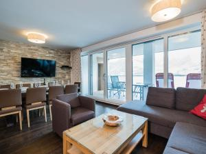 Mountain and Lake XL, Apartments  Zell am See - big - 8