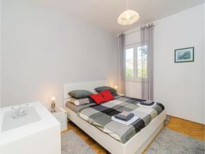 Two-Bedroom Apartment in Mlini, Ferienwohnungen  Mlini - big - 6