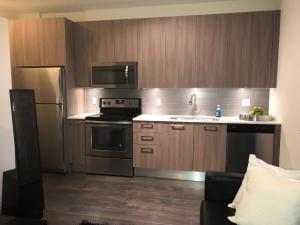 Modern Doral Apt, Apartmány  Glenvar Heights - big - 1