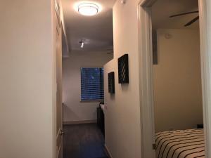 Modern Doral Apt, Апартаменты  Glenvar Heights - big - 3