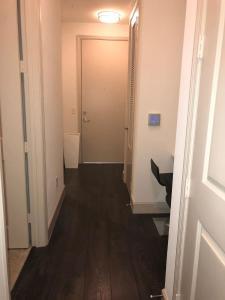Modern Doral Apt, Апартаменты  Glenvar Heights - big - 2
