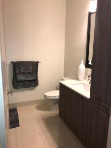Modern Doral Apt, Apartmány  Glenvar Heights - big - 4