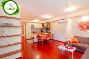 Leona & Borna's Central Lapad Suites, Apartments  Dubrovnik - big - 16