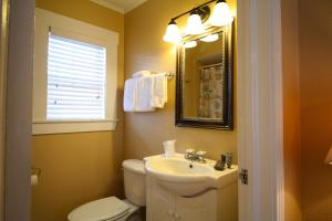 Peach Tree Inn & Suites, Hotel  Fredericksburg - big - 6