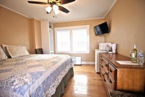 Peach Tree Inn & Suites, Hotel  Fredericksburg - big - 7