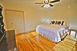 Peach Tree Inn & Suites, Hotely  Fredericksburg - big - 38