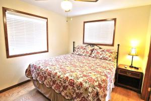 Peach Tree Inn & Suites, Hotel  Fredericksburg - big - 12