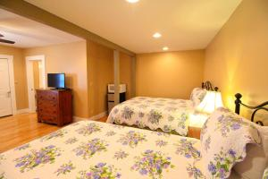 Peach Tree Inn & Suites, Hotel  Fredericksburg - big - 3