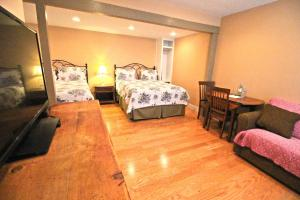 Peach Tree Inn & Suites, Hotel  Fredericksburg - big - 4