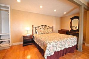 Peach Tree Inn & Suites, Hotel  Fredericksburg - big - 23