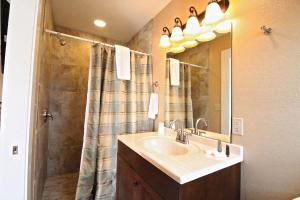 Peach Tree Inn & Suites, Hotel  Fredericksburg - big - 24