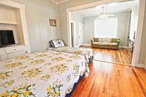 Peach Tree Inn & Suites, Hotely  Fredericksburg - big - 53