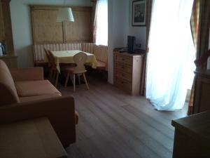 Residence Clara, Apartmánové hotely  San Vigilio Di Marebbe - big - 32