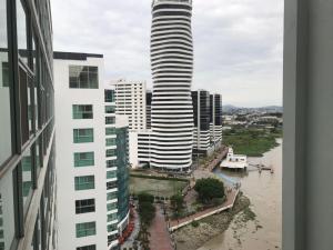 Riverfront 1 Guayaquil Ecuador, Apartmanok  Guayaquil - big - 1