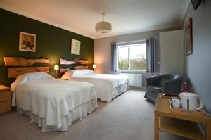 Sharamore House B&B, Bed and Breakfasts  Clifden - big - 8