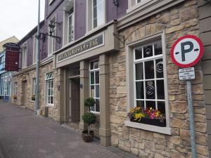 The Seven Horseshoes Hotel