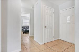 Prime Location , Private Pool , Located In Tampa, Dovolenkové domy  Tampa - big - 48