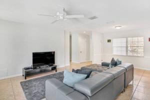 Prime Location , Private Pool , Located In Tampa, Dovolenkové domy  Tampa - big - 37
