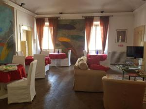 Il Cortegiano, Bed & Breakfasts  Urbino - big - 23