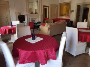 Il Cortegiano, Bed & Breakfasts  Urbino - big - 25