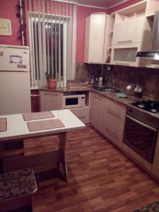 Apartment on Artema 142