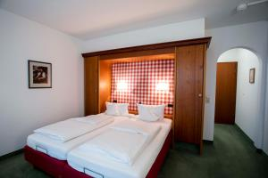 Landidyll Hotel zum Kreuz, Hotels  Glottertal - big - 2