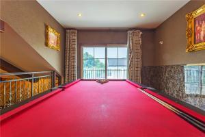 William Castle's Home Party Villa, Ville  Chongqing - big - 64