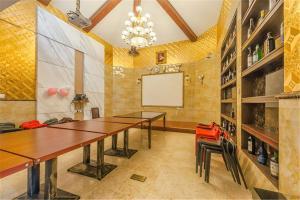William Castle's Home Party Villa, Ville  Chongqing - big - 35