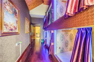 William Castle's Home Party Villa, Ville  Chongqing - big - 80