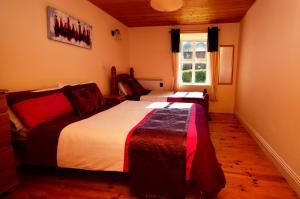 Cottage 101 - Moyard, Holiday homes  Letterfrack - big - 22