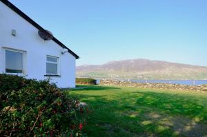 Cottage 101 - Moyard, Holiday homes  Letterfrack - big - 36