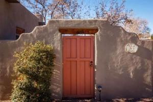 2 Bedroom - 10 Min. Walk to Plaza - Kiva, Holiday homes  Santa Fe - big - 1