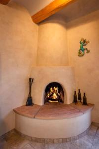 2 Bedroom - 10 Min. Walk to Plaza - Kiva, Holiday homes  Santa Fe - big - 17