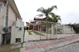 Casa Pepo Manoel, Holiday homes  Florianópolis - big - 1