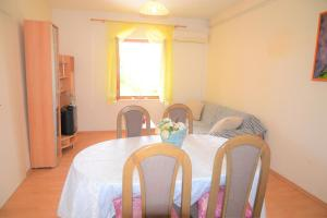Apartment Poljica 10237a, Appartamenti  Marina - big - 5