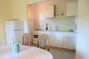 Apartment Poljica 10237a, Appartamenti  Marina - big - 8